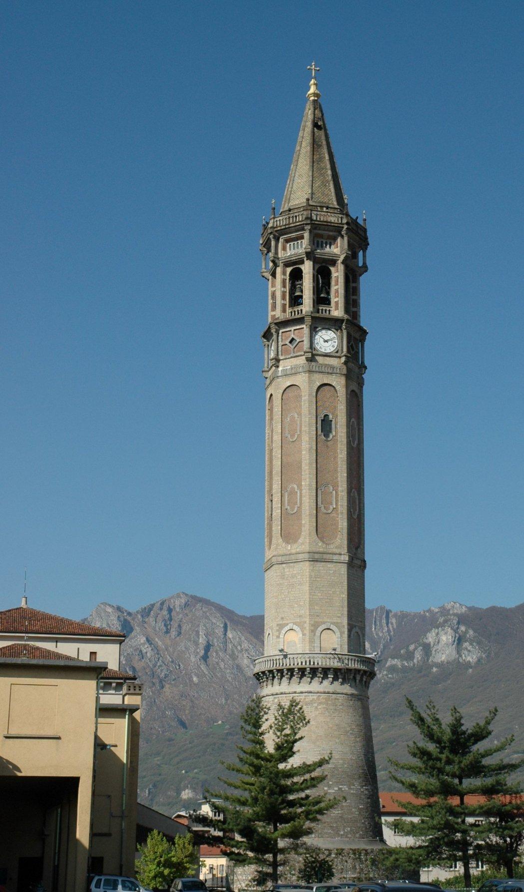 Glockenturm der Basilika S. Nicolò
