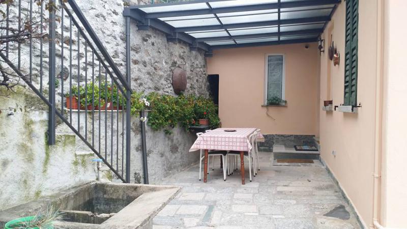 Appartamento trilocale 4 posti letto a Dervio – RIF Casa Nonna Giò