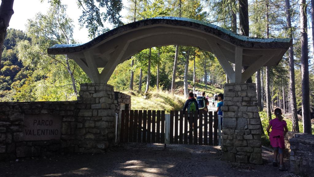 Parco valentino e monte coltignone lago di como e valsassina for 4 piani di casa ranch di box auto