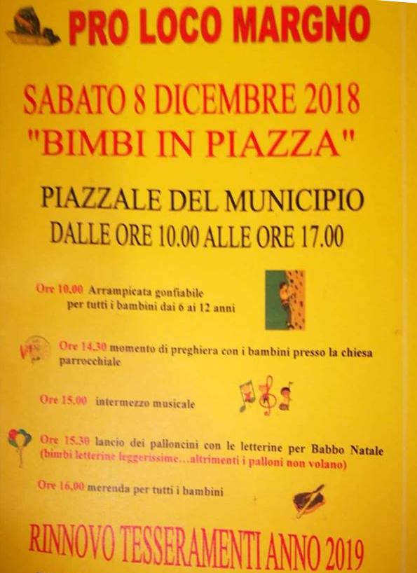 Bimbi in piazza a Margno