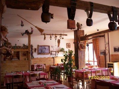 Festa di chiusura della Trattoria Pizzeria Belvedere di Narro