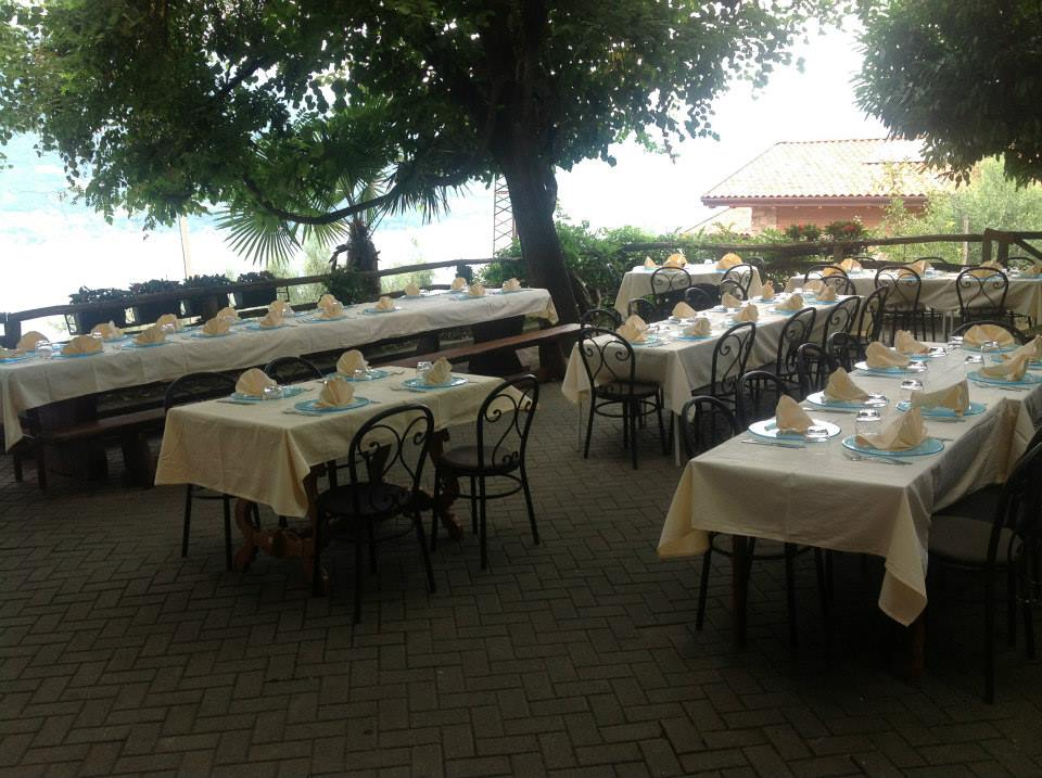 Crotto di biosio lago di como e valsassina for Piani di costruzione di stand del ristorante
