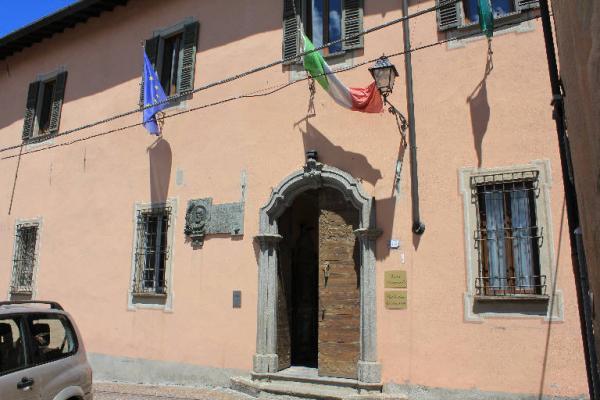 Palazzo Manzoni a Barzio